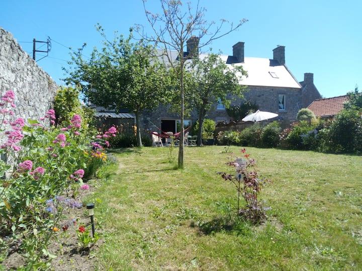 Maison entre mer et campagne (St Malo de la lande)