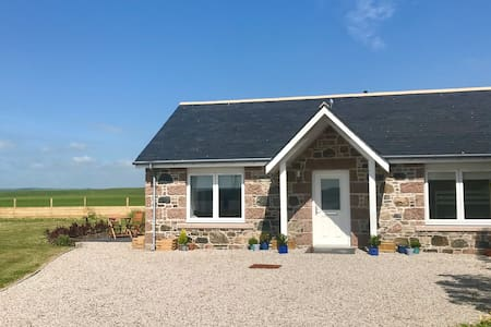 Beehive Cottage, 2 bed, sleeps 5.