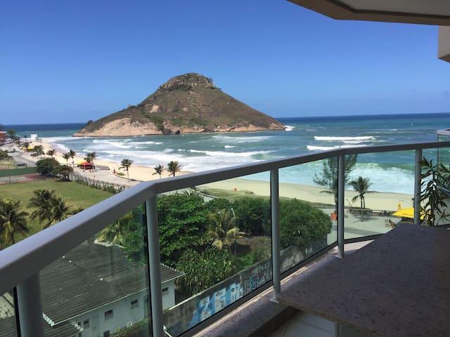 Vista incrível de um apart na areia - Rio de Janeiro