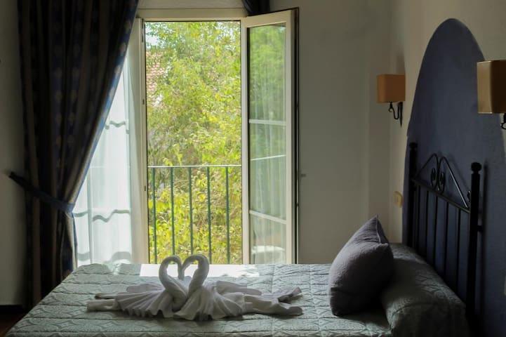 Alojamiento Rocio Doñana Hotel Puente del Rey - Doble 1 o 2 camas. Baño privado - Tarifa estandar (opción supletoria)