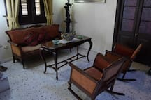COLONIAL HOUSE 1923 from 2 to 4 rooms. Beautiful