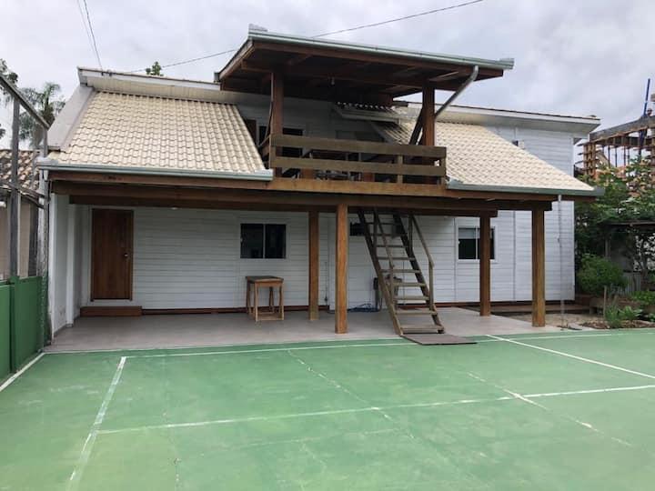 Casa em Perequê 200m da praia c/ ar-condicionado