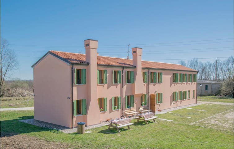 Holiday cottage with 5 bedrooms on 260m² in Rosolina -RO-