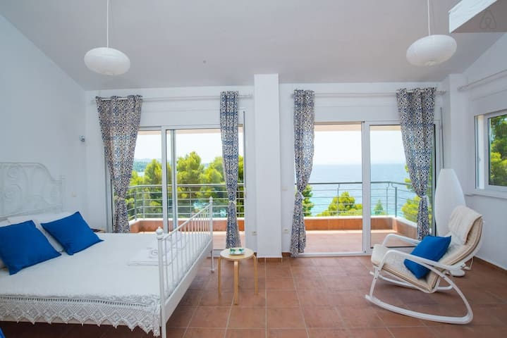 Maresi Sea View Maisonette - Paradisos - House