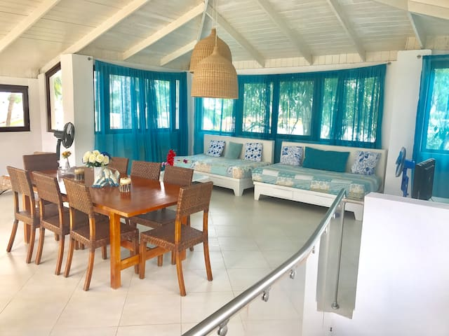 Terrace with ocean view with 2 sofa bed, TV, free WIFI