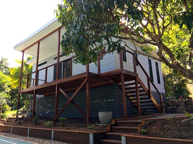 Contemporary Coastal Cottage