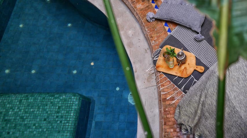 Riad with swimming pool and garden view & BB