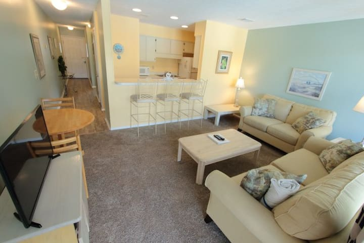 1BR Condo-Steps2Beach;Pool-C8