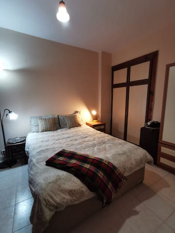 Comfortable cosy room in Uskudar near the sea