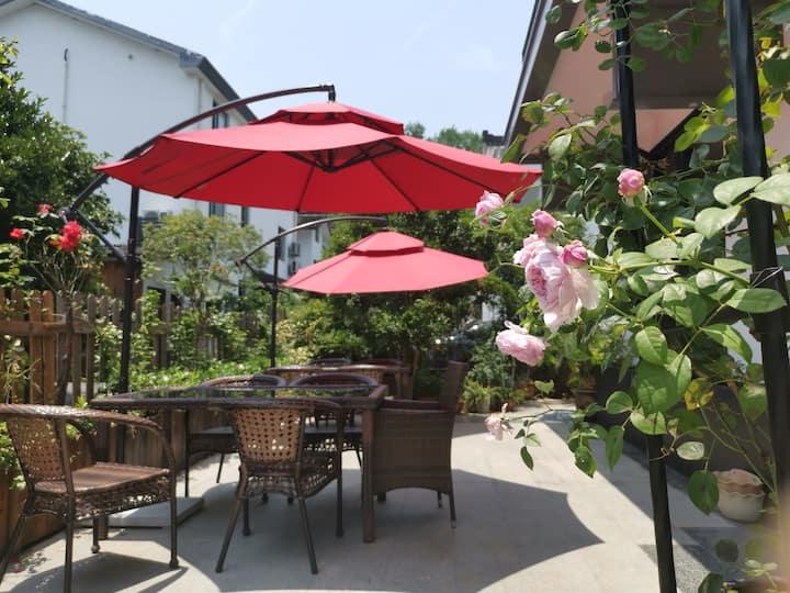杭州西湖近苏堤、雷锋塔两室两卫独立大床房