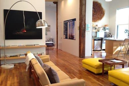 Art-filled bright spacious loft prime Wburg Brklyn