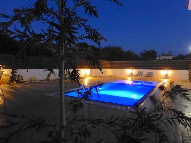Nissi Golden Sands Villa (No.11) - Ayia Napa - Casa