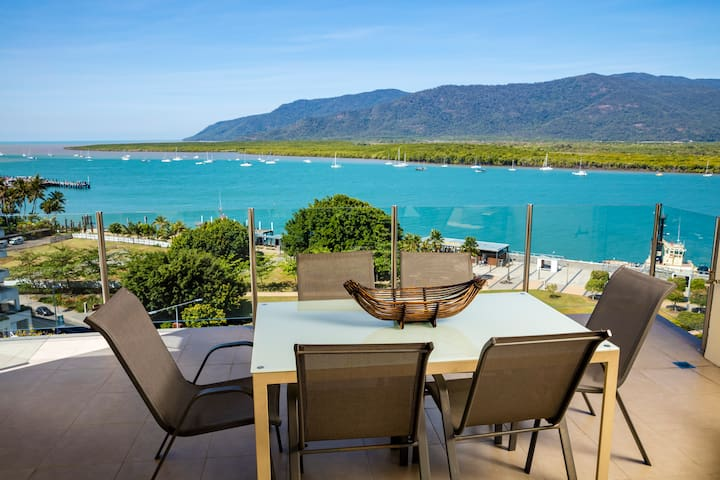 3 Bedroom Apartment with Stunning Water Views