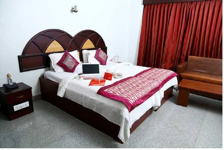 All Seasons Guest House Near Railway Station TVM