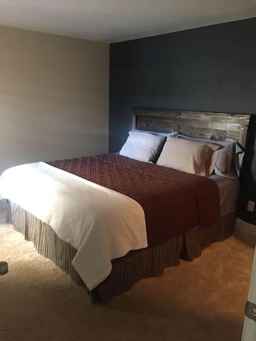 Southside spacious cozy Guestroom - Jacksonville - Daire