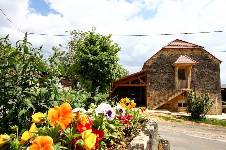 Chambres d'hôtes du petit Touron à Ste Nathalène - Sainte-Nathalène - Rumah Tamu