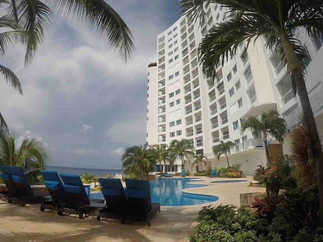 Exclusive penthouse in Grand Peninsula Cozumel!