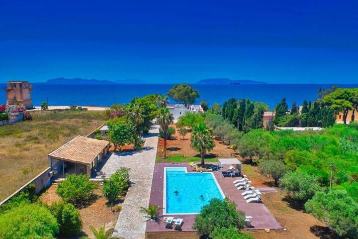 Mega mansion con piscina, palestra, parco, jacuzzi