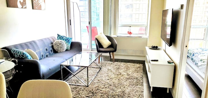 Safe Travel-Bright Luxury 1 Bedroom mins to Subway