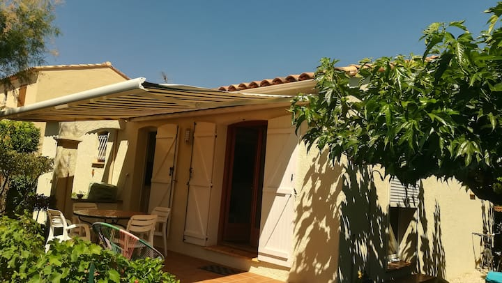 Villa sur la côte d'Azur à  la londe les maures