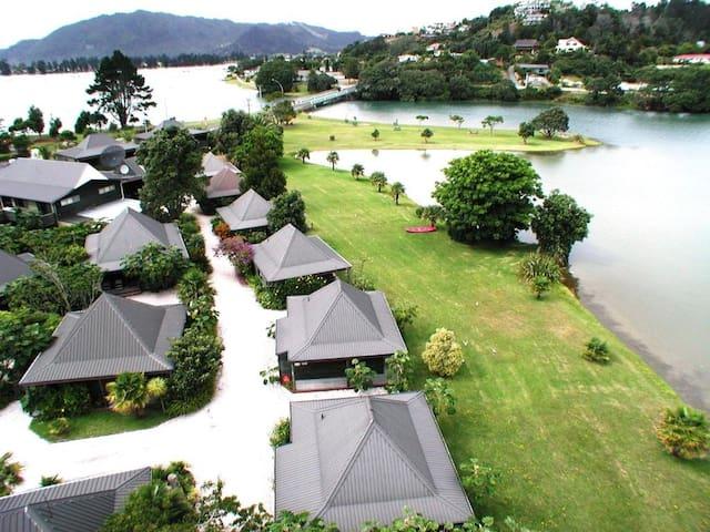 Luxury King Waterfront Villa