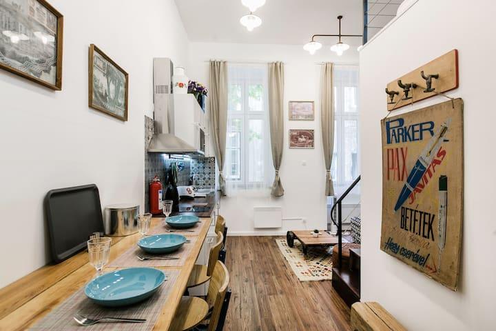 The Art of Budapest Studio - Downtown AC/WIFI