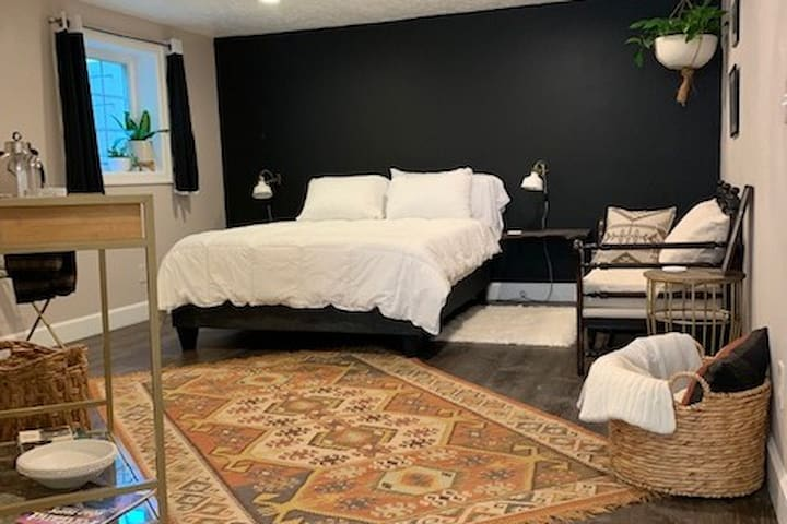 Charming Laurelhurst Suite