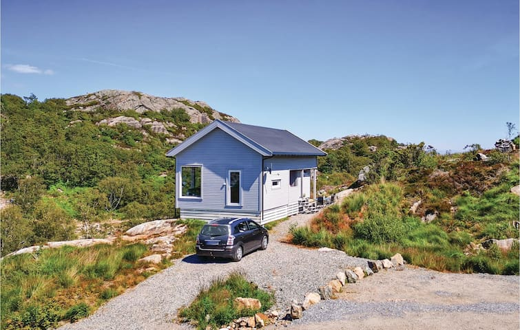 Holiday cottage with 3 bedrooms on 77m² in Lindesnes