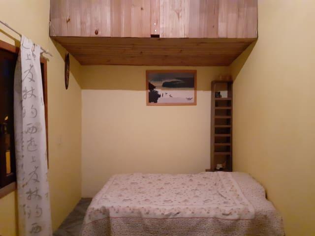Apartamento econômico à 150 Mts Da Praia de Baixo