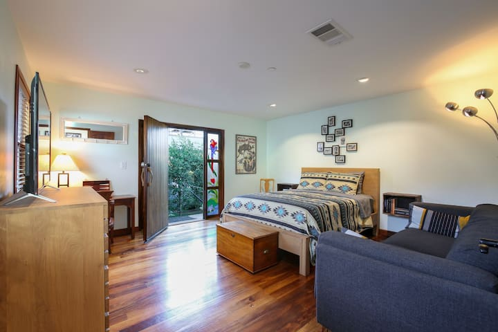 Private Master Suite at Redwood Lodge, West Culver
