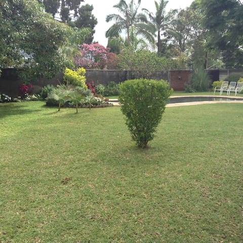 Stunning Milton Park Single Room - Harare - Casa