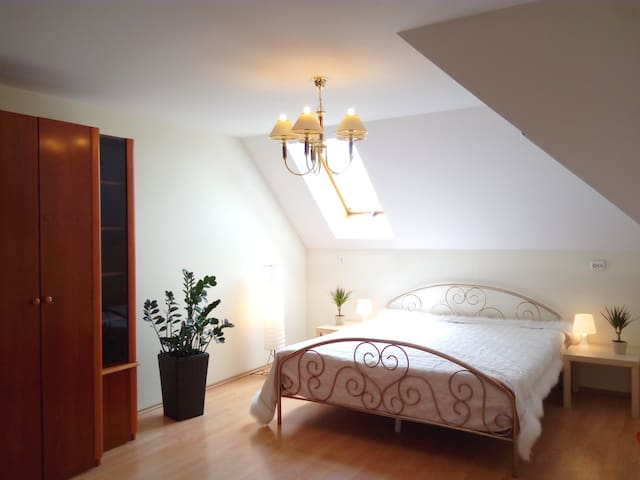 Cinege Deluxe Apartman - Siófok - Appartement