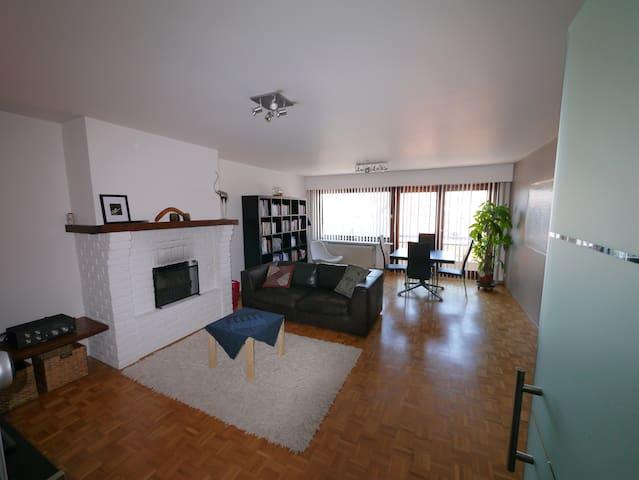 Appartement Oostende op 2 km van het strand - Oostende - Apartment