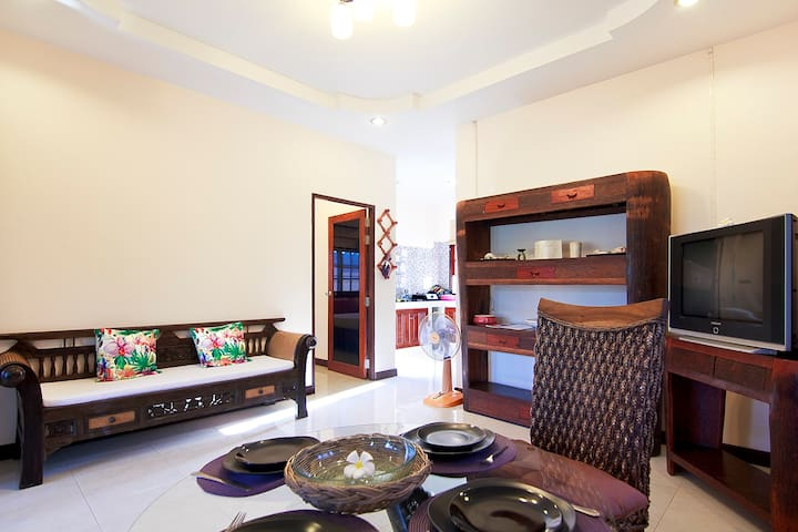 2 BDR HOUSE WITH PRIVATE  BEACH / SHARED   POOL