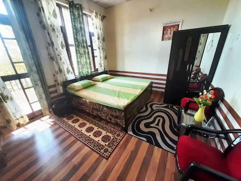 Yol Cantt HomeStay Independent Entrance  2BHK