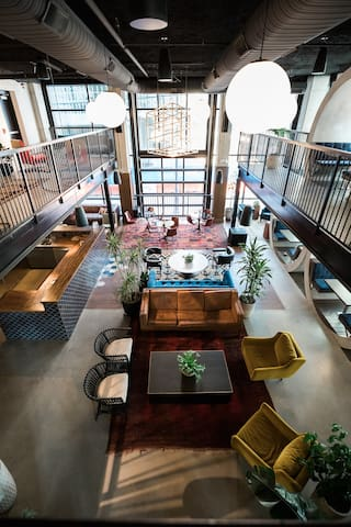 Awesome space to gather with friends before hitting downtown for the night out.