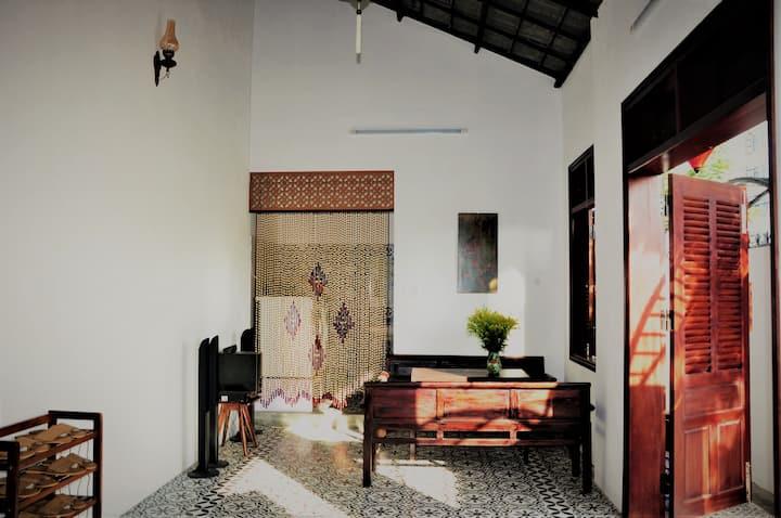 🌟Violet Room | Peaceful house near the beach🌟
