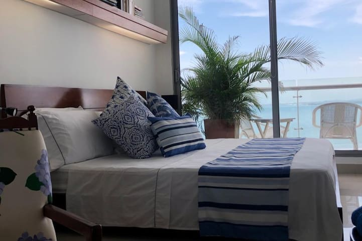 private giant room with balcony and sea view!!!