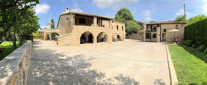 Ariqus: Rural Cottages