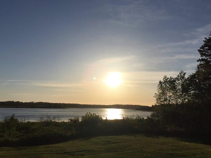 Beautiful Log Home - water view