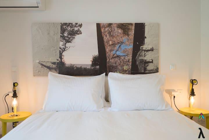 Bedroom (Apt. λ)