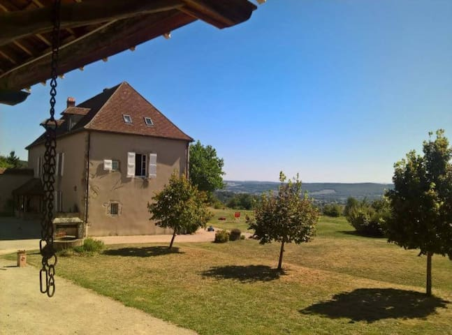 Belle maison familialle au coeur de la Bourgogne - Chevagny-sur-Guye - Vakantiewoning