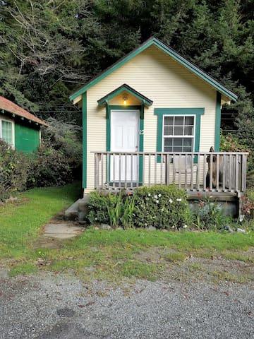 Woodland Villa Cabin 12