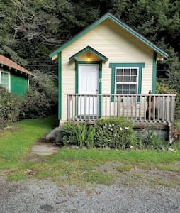 Woodland Villa Cabin 12 - Klamath