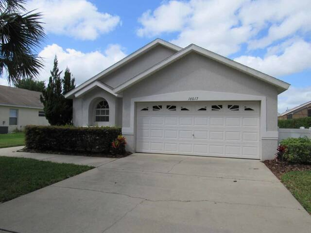 Orange Tree 4/3 pool home property, fully furnished, with full kitchen, and all linens and towels - CLERMONT