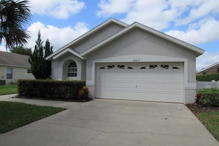 Orange Tree 4/3 pool home property, fully furnished, with full kitchen, and all linens and towels - CLERMONT - Hus