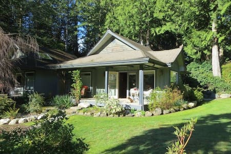 Luxury Cottage Retreat - Halfmoon Bay