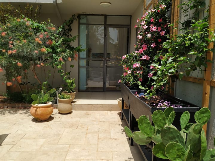 4 bedroom Villa 10km from Tel Aviv-Yafo