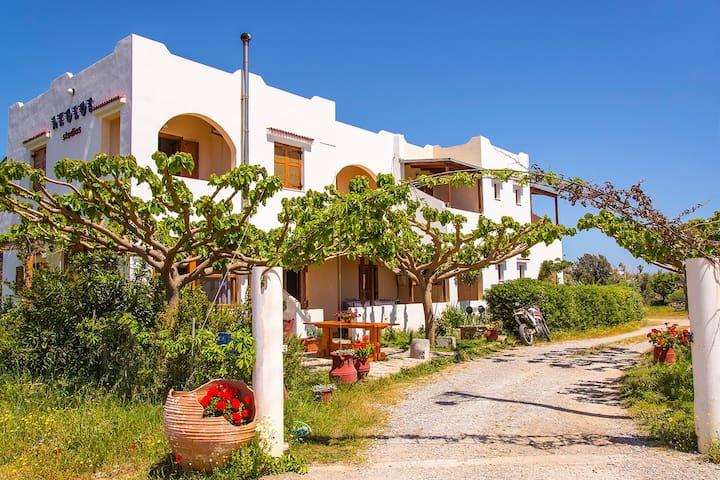 Aeolos studio 1 - Frangokastello, Sfakia, Crete