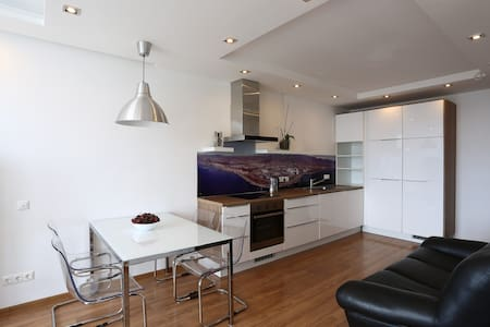 Новая квартира в Сочи(Адлер) у моря - Адлер